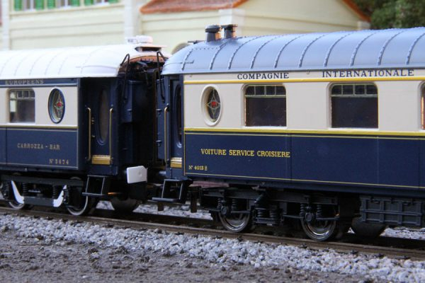 orient-express-coach-model