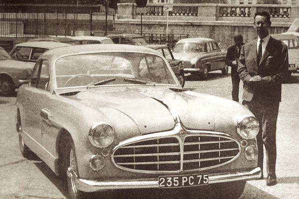 1951 Delahaye 235 by Letourneur & Marchand as per Charbonneaux's blueprints, with the designer-owner himself.