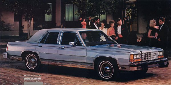 1986-ford-ltd-crown-victoria-04-05