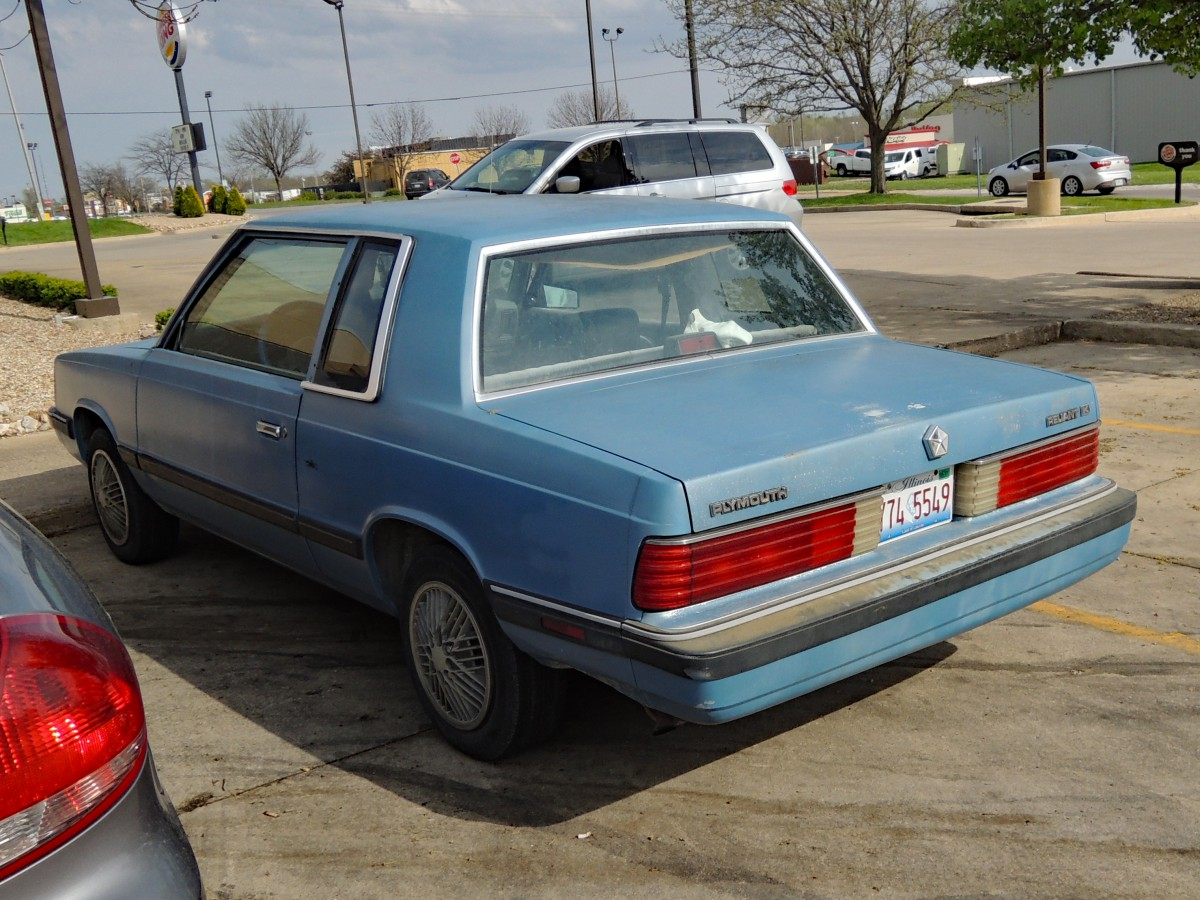 ... updating and a single (1985) facelift K cars enjoyed a long shelf life and a robust popularity with bargain-seekers. While overall Aries/ Reliant sales ... & CC Capsule: 1989 Plymouth Reliant America 2-Door u2013 Staring Down ... pezcame.com