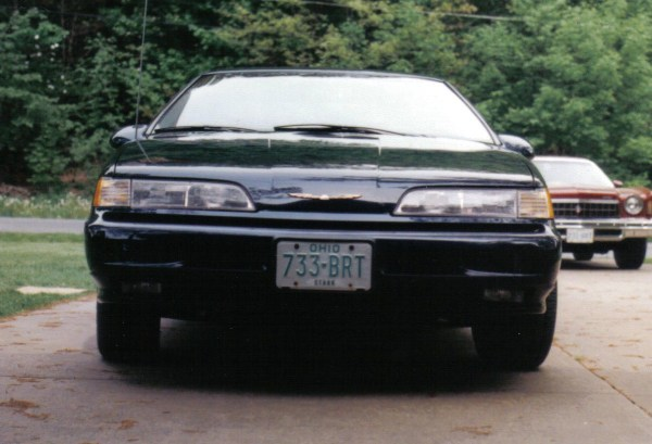 Front view of 1989 Ford Thunderbird
