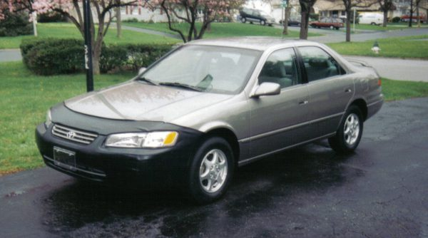 1997 Toyota Camry front view