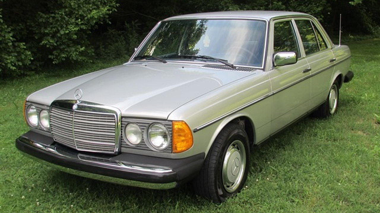Note the inside lights are smaller they are fog lights for 1980s mercedes benz