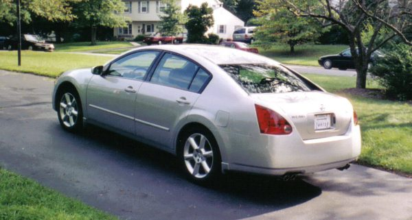 2004 Nissan Maxima rear view