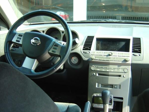 2004 Nissan Maxima dash