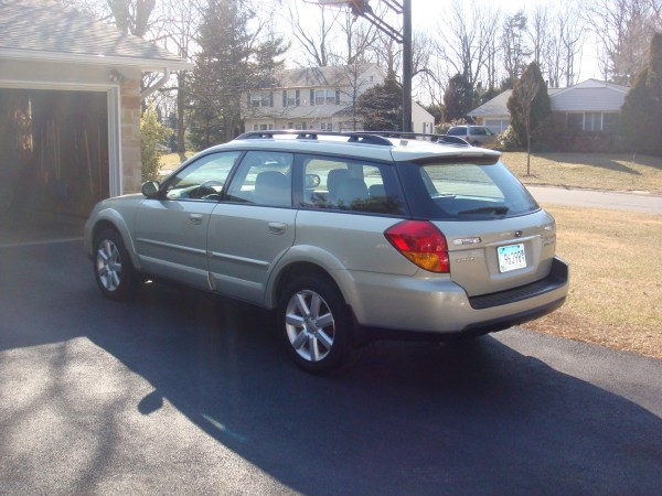 2006 Subaru Outback rear view