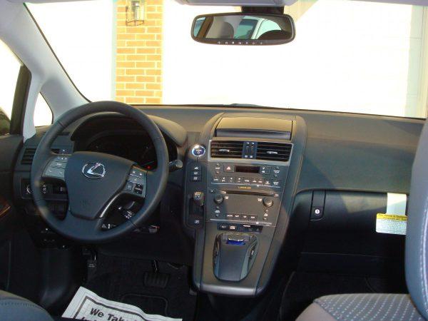 2010 Lexus HS Dashboard