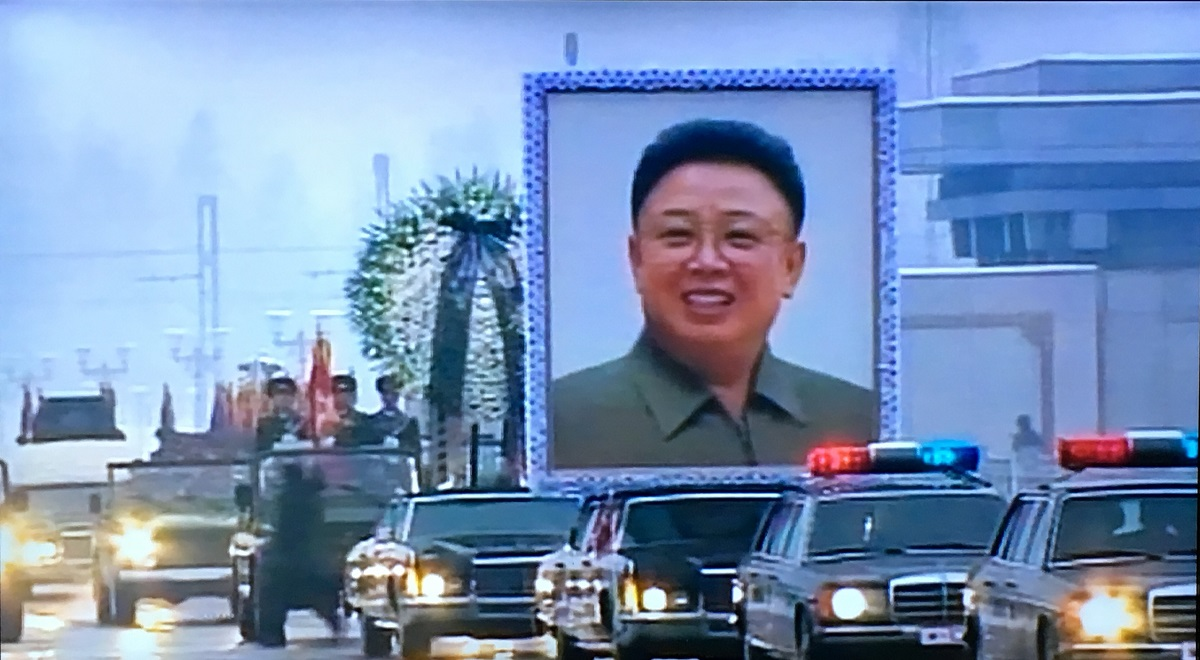 Cc Global North Korea Land Of Lincolns 1973 Lincoln Continental Town Car Here Are The Three 1975 76 Continentals Lined Up In Funeral Procession With Portrait And Wreath Bearers Leading Hearse Which Is Really A