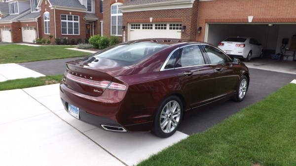 2016 Lincoln MKZ rear view