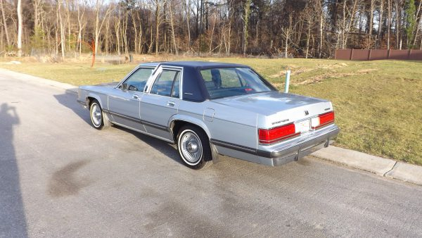 1991 Mercury Grand Marquis rear view