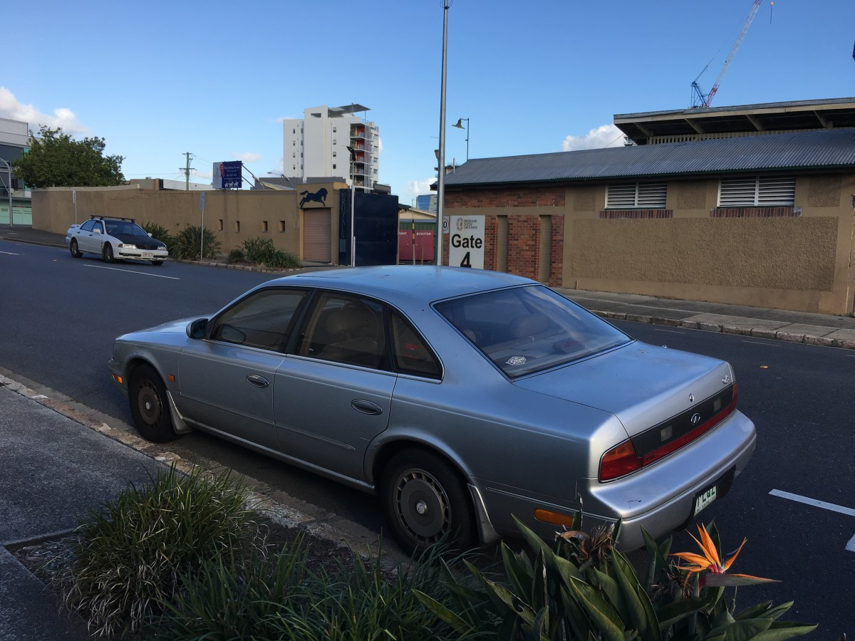 Curbside Classic 1990 96 Infiniti Q45 How Not To Launch A Luxury