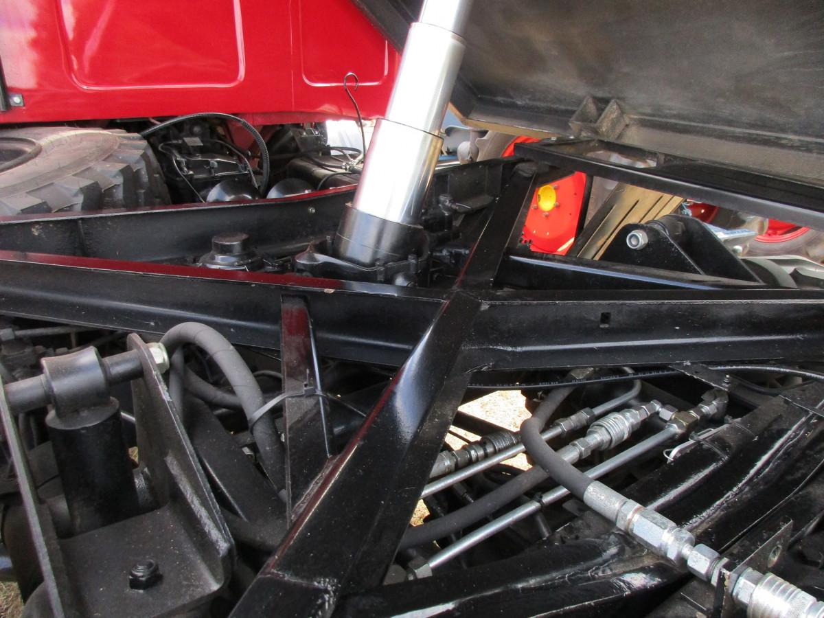 Fieldside Classic: Mercedes-Benz Unimog 406 – AWD Tractor
