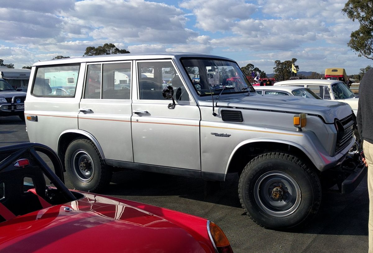 Car Show Classics The Oval At 2018 Historic Winton Part Two 1973 Toyota Fj55 Land Cruiser This Wagon Is An Interesting One I Think They Were First Of Recreational Or Civilian Cruisers As Opposed To