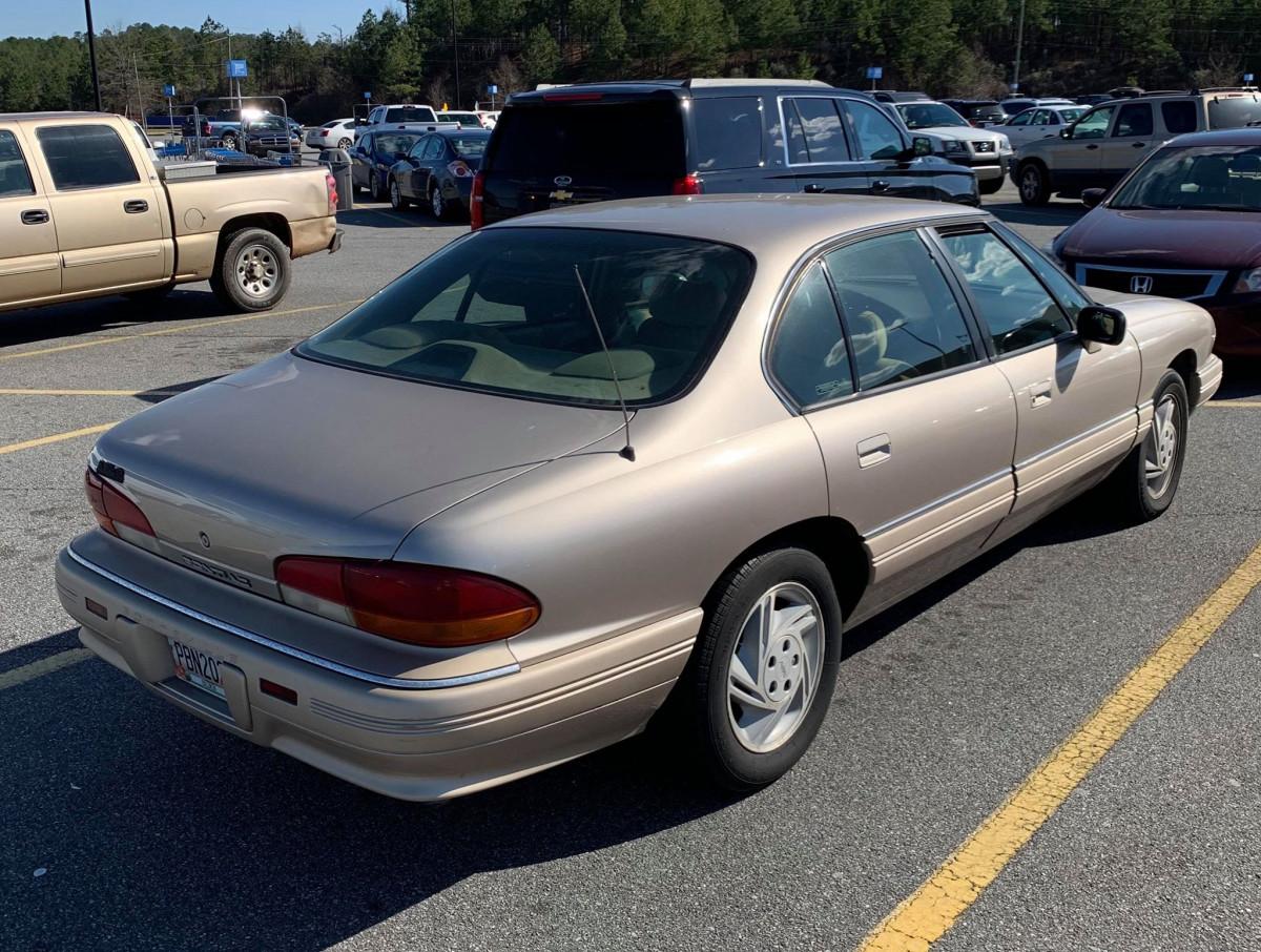 curbside classic 1993 pontiac bonneville se plus bonne dans ta bonneville curbside classic 1993 pontiac bonneville se