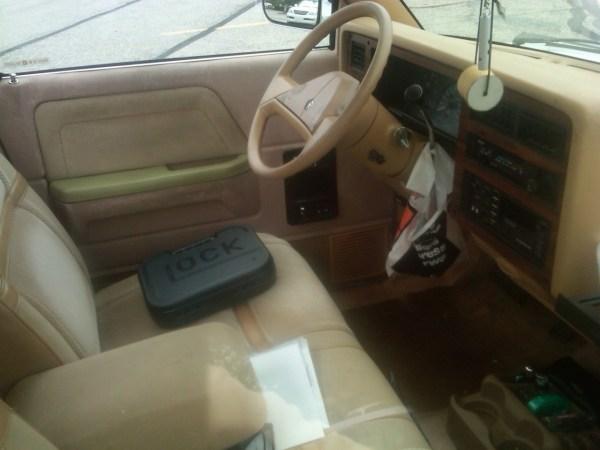1988 Dodge Dakota LE interior