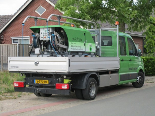VW Crafter flatbed truck - 1