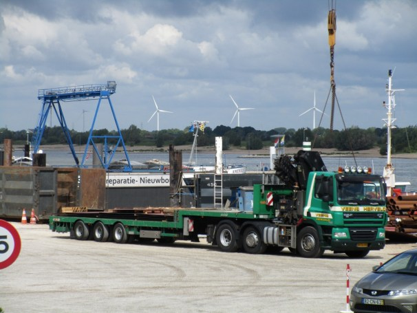 DAF CF tractor - Nooteboom semi-trailer