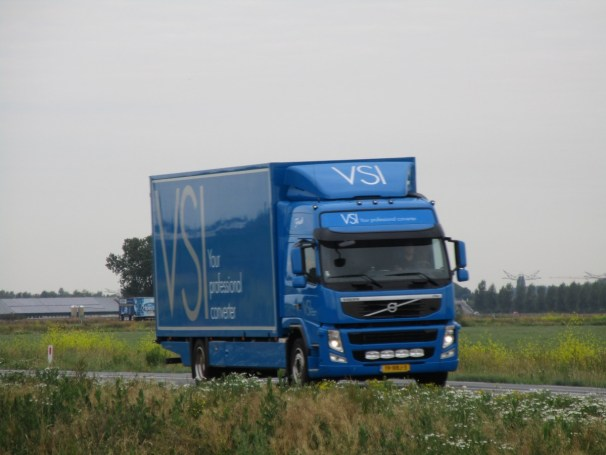 Volvo FM box truck