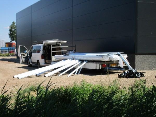 unloading van with trailer