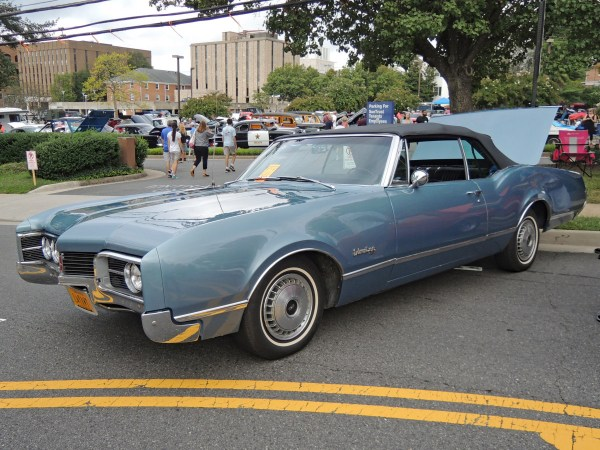 1967 Oldsmobile Delmont 88 convertible left front