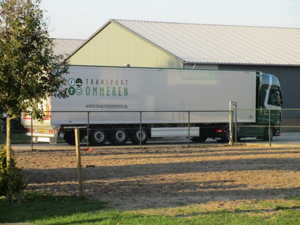 DAF XF tractor with Knapen semi-trailer