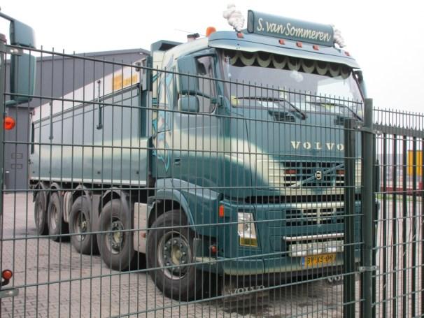 Volvo FH 10x4 dump truck