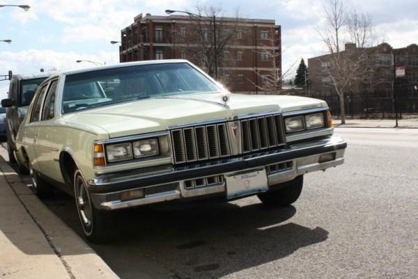 1979 Pontiac Bonneville. Edgewater, Chicago, Illinois. Saturday, April 2, 2011.
