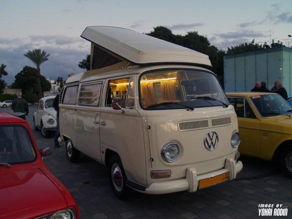 Creme VW T2 Westfalia