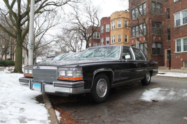 1986 Cadillac Fleetwood Brougham. Edgewater Glen, Chicago, Illinois. Saturday, January 2, 2021.