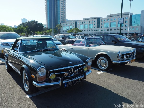 black and white Mercedes-Benz W113