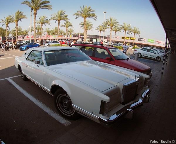 white Lincoln Continental Mark V