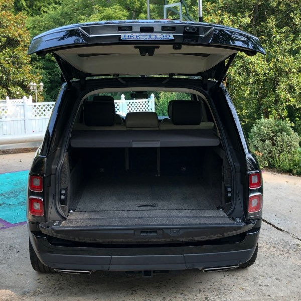 218 Range Rover with hatch open