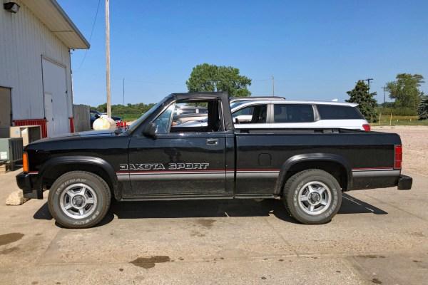 1989 Dodge Dakota Sport Convertible left