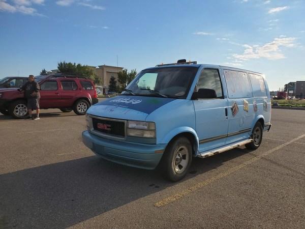GMC Safari minivan
