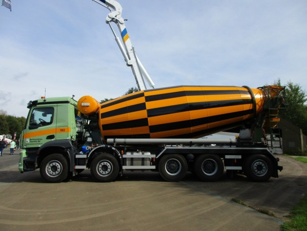 2021 MB Arocs 10x4 concrete mixer truck - 2