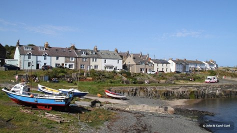 J01_0312 Craster harbour.JPG
