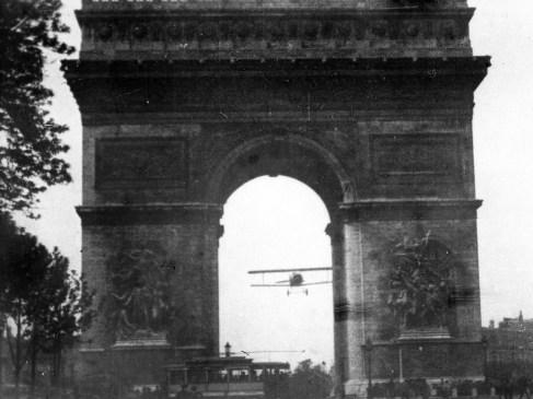 14 juillet 1919 – Les As de l'aviation française humiliés