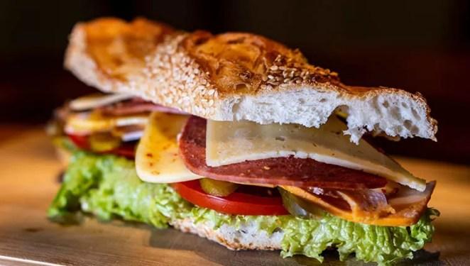 sanduiches alimentos foram inventados sem querer