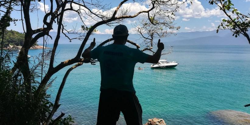 Trilha na Ilha das Couves