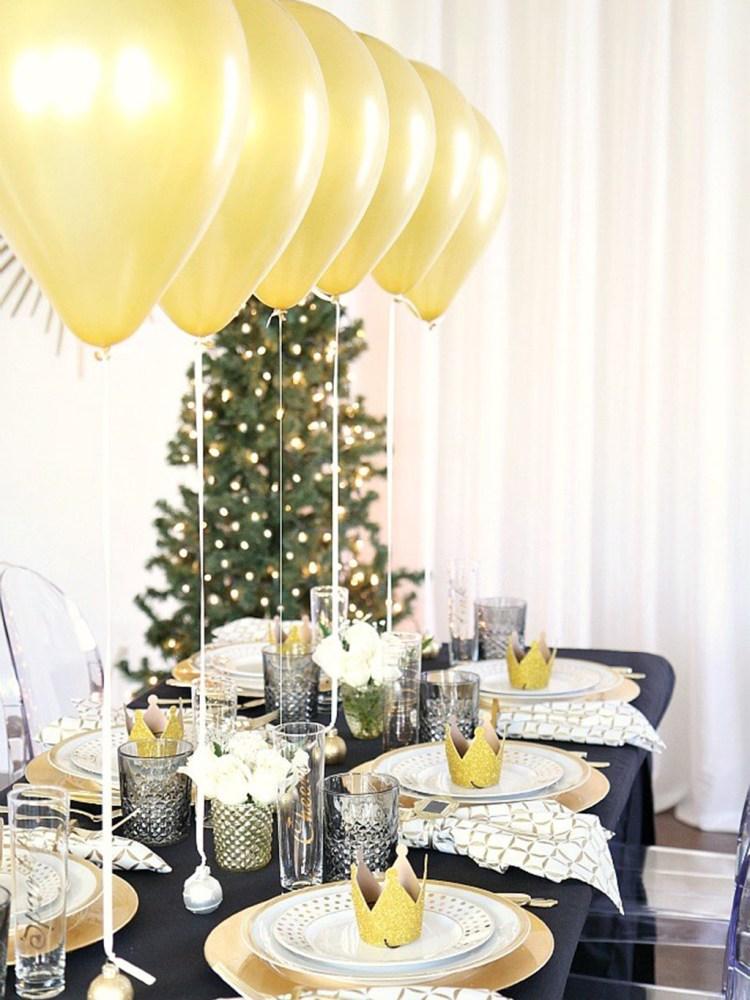 ideas DIY para la mesa de Nochevieja globos