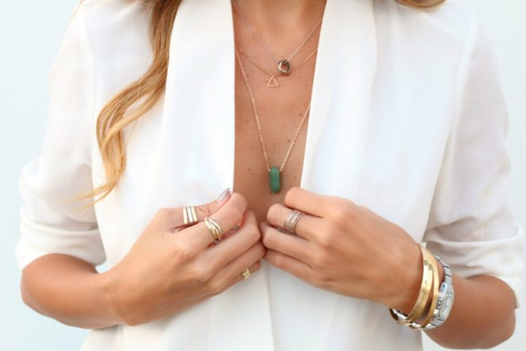 combinar las joyas con la ropa