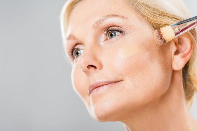 mejores bases de maquillaje para utilizar en pieles grasas