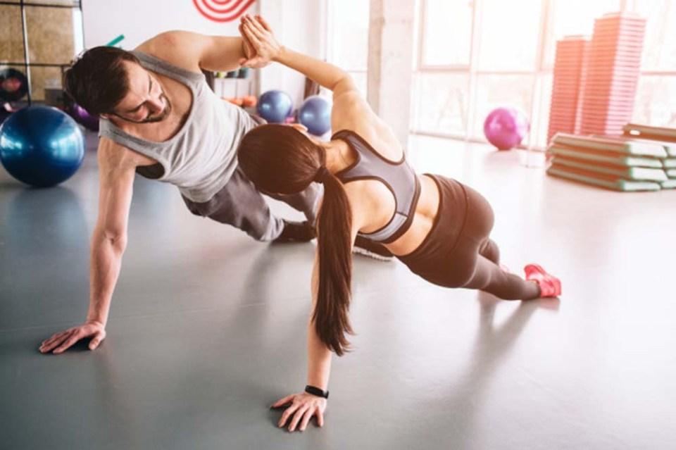Plancha lateral, ejercicio isométrico