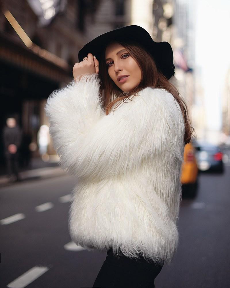recomendaciones de abrigos para este invierno: abrigo blanco