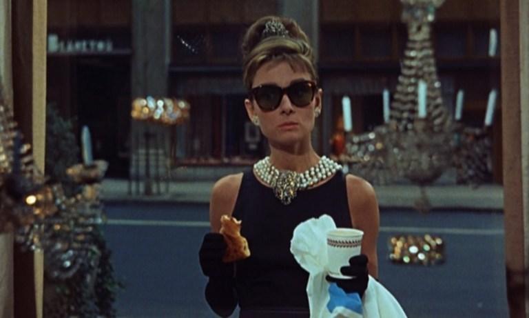 Esta pieza de Givenchy es uno de los vestidos icónicos en la historia del cine