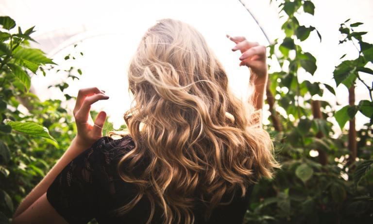 Los cortes de pelo fáciles de peinar son modernos y muy versátiles