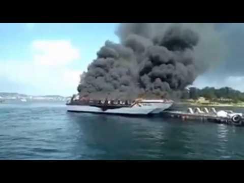 Barco turístico explota hiriendo a 38 pasajeros en el norte de España