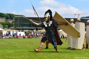 Défilé en costume d'époque au musée gallo-romain de Vienne, Isère