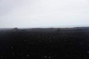 Désert de sable noir sur la plage Solheimasandur en Islande