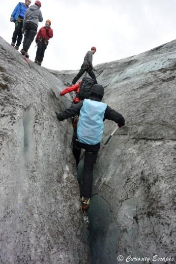 Crevasse dans un glacier en Islande